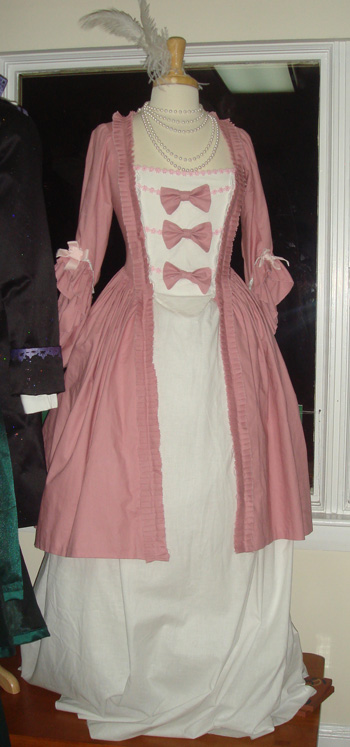 Amazon.com: Everyday Dress of the American Colonial Period